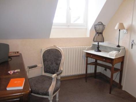 11-chambre4bis-hotelleviscos-saintsavin-hautespyrenees.jpg-LeViscos.jpg.JPG