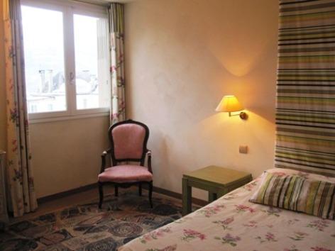 7-chambre1bis-hotelleviscos-saintsavin-hautespyrenees.jpg-LeViscos.jpg.JPG