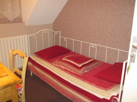 9-chambre3-hotelleviscos-saintsavin-hautespyrenees.jpg-LeViscos.jpg.JPG