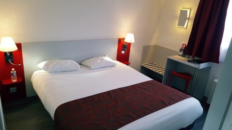 0-Chambre-fasthotel-Tarbes.jpg