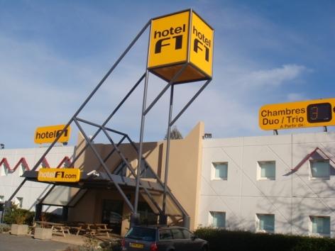 5-Hotel-F1.JPG