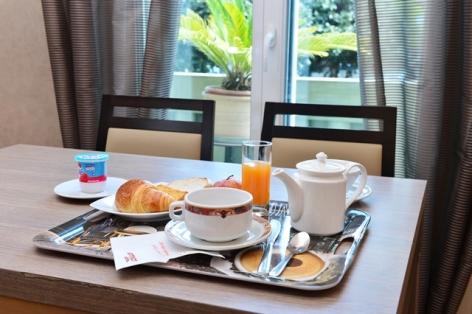 25-Plateau-petit-dejeuner.jpg
