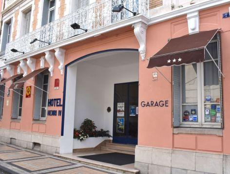 5-HPH167---HOTEL-HENRI-IV---Entree-hotel--TARBES.jpeg