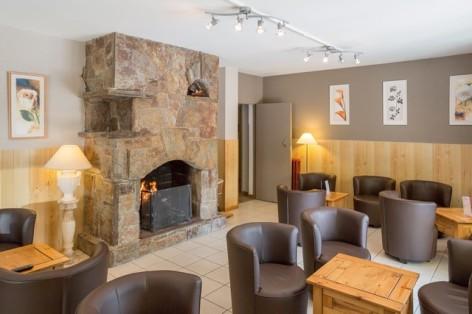 0-HOTEL-AURELIA----salon-cheminee.jpg