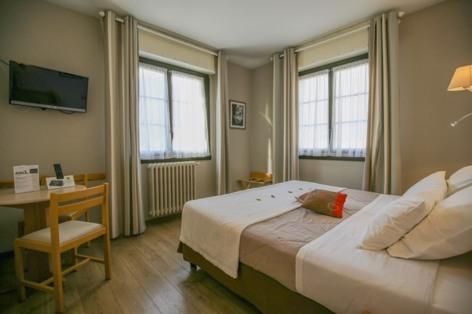 11-HPH18---HOTEL-AURELIA---VIELLE-AURE---Chambre-2-2.jpg