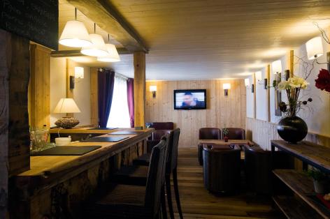 6-HPH33---HOTEL-LA-NESTE-DE-JADE---interieur.jpg