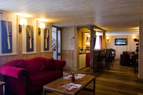 7-HPH33---HOTEL-LA-NESTE-DE-JADE---interieur2.jpg