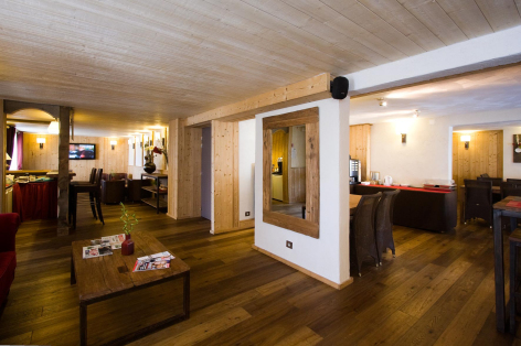 8-HPH33---HOTEL-LA-NESTE-DE-JADE---interieur3.jpg
