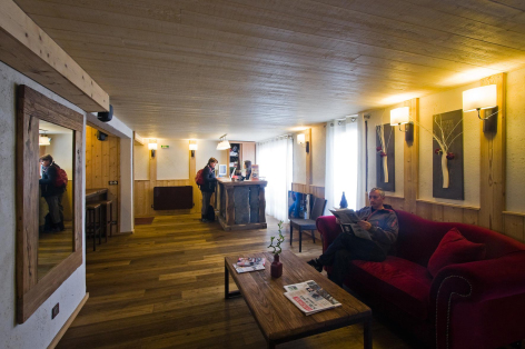 8-HPH33---HOTEL-LA-NESTE-DE-JADE---reception.jpg