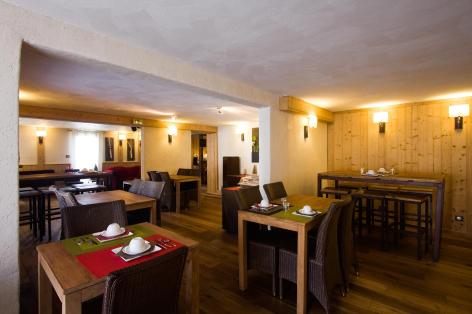 8-HPH33---HOTEL-LA-NESTE-DE-JADE---restauration.jpg