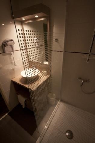 4-douche-chambres.jpg