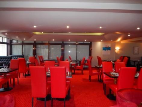 11-HPH130-Hotel-du-Casino-coin-restaurant.jpg