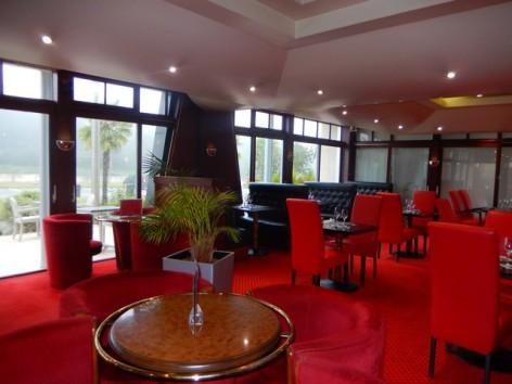 12-HPH130-Hotel-du-Casino-coin-salon.jpg