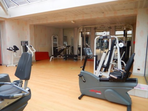 15-HPH130-Hotel-du-Casino-salle-muscu.jpg