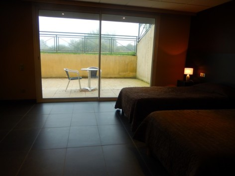 8-HPH130-Hotel-du-Casino-ch-twin-handi--2-.jpg
