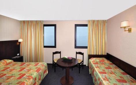 0-Lourdes-hotel-Gloria-Avenue--3--2.JPG