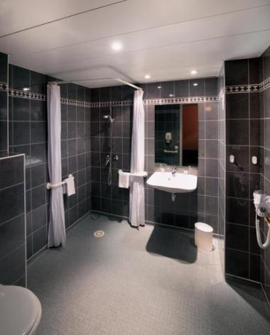 3-Lourdes-hotel-Gloria-Avenue--1--2.jpg