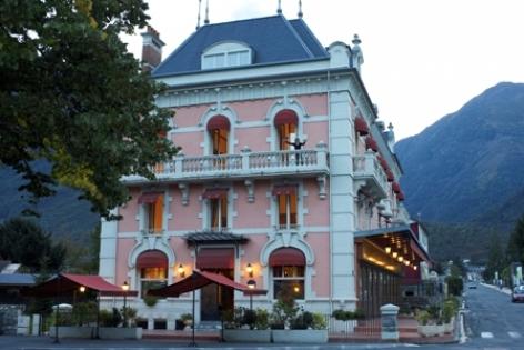 0-facade-grandhoteldefrance-pierrefittenestalas-HautesPyrenees--christinecayre.jpg