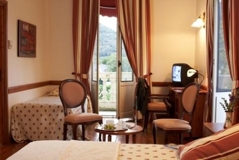 1-chambre2-grandhoteldefrance-pierrefittenestalas-HautesPyrenees--christinecayre.jpg