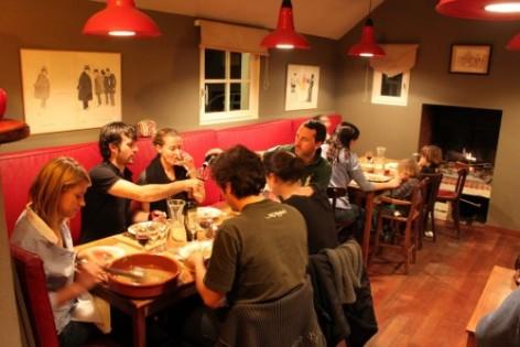 1-La-Maison-d-Hoursentut---Repas.jpg