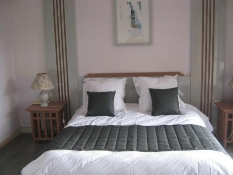 4-Chambre-double-hotel-du-laca.jpg