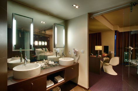 5-HPH19---HOTEL-LE-REX---TARBES---Chambre-Suite-4.jpg