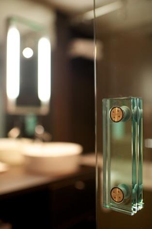 9-HPH19---HOTEL-LE-REX---TARBES---Salle-de-bain.jpg