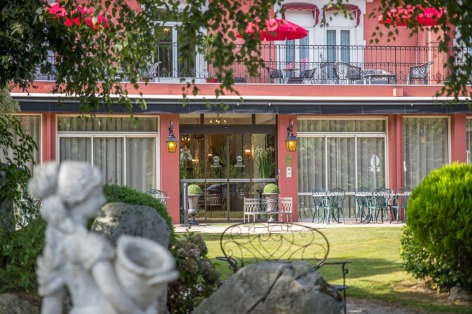 2-HPH76---HOTEL-BEST-WESTERN-BEAU-SEJOUR---Entr--e-cot---Parking-Priv--LOURDES.jpg