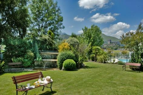 4-HPH76---HOTEL-BEST-WESTERN-BEAU-SEJOUR---Jardin---LOURDES.jpg
