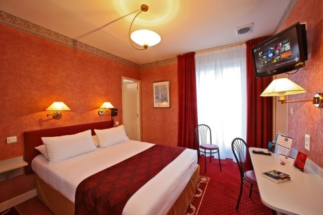 7-hotel-bestwestern-beausejour-lourdes-chambre-superieure-double-television.jpg