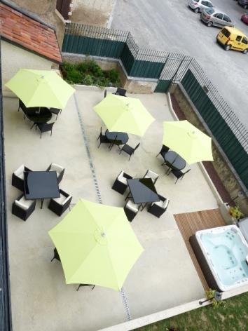 4-HPH107---Le-Loft---terrasse--1-.JPG