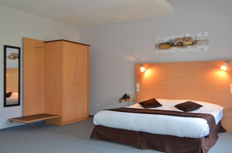 0-CARREPY-HOTEL-BAGNERES-CHAMBRES-03-W.jpg