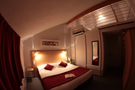 9-CARREPY-HOTEL-BAGNERES-CHAMBRES-02-W.jpg