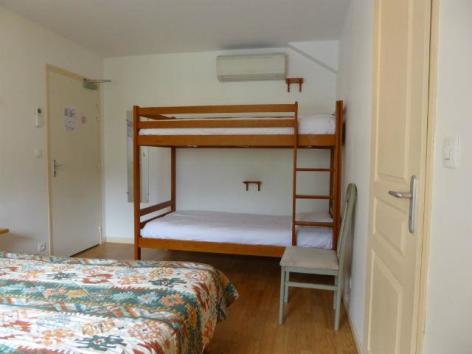 7-chambre-familiale-lit-surerposes.jpg