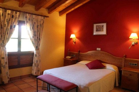 1-HPH116---Hotel-y-Spa-Pena-Montanesa-ch-double.jpg