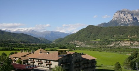 12-HPH116---hotel-y-spa-Pena-Montanesa-exterieur2.jpg