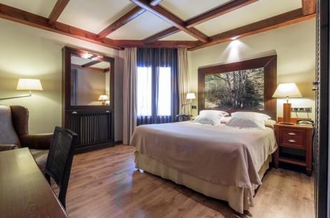 6-HPH118---HOTEL-CIRIA---Dble-Superior.jpg