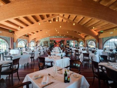 10-HPH122---Hotel-Barcelo-Monasterio-de-Boltana-restaurant.jpg