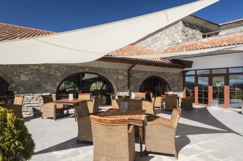 15-HPH122---Hotel-Barcelo-Monasterio-de-Boltana-terrasse.jpg