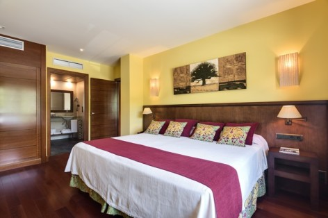 4-HPH122---Hotel-Barcelo-Monasterio-de-Boltana-chambre--2-.jpg