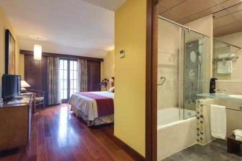 5-HPH122---Hotel-Barcelo-Monasterio-de-Boltana-chambre--3-.jpg