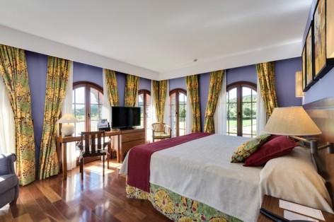 7-HPH122---Hotel-Barcelo-Monasterio-de-Boltana-chambre--5-.jpg