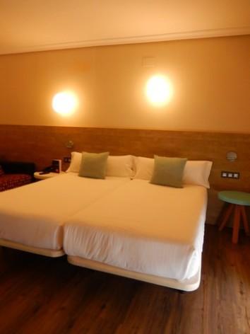 0-HPH121---Hotel-y-hostal-2-Rios---chambre.jpg