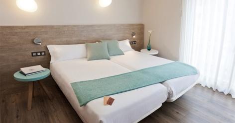 1-HPH121---Hotel-de-los-Rios-chambre.jpg