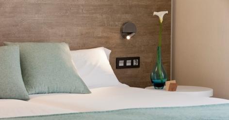 3-HPH121---Hotel-de-los-Rios-chambre-detail.jpg
