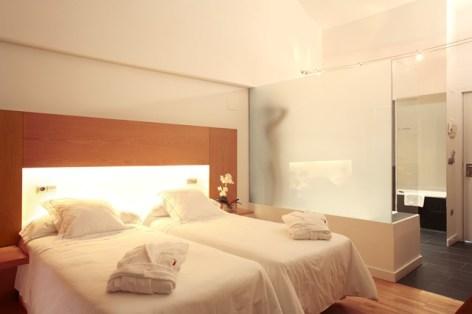 0-HPH123-Hotel-Tierra-de-Biescas-chambre--3-.jpg