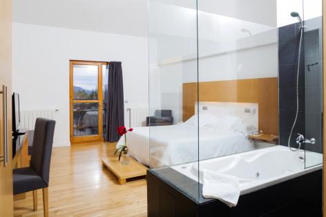 4-HPH123-Hotel-Tierra-de-Biescas-chambre-640x480.jpg