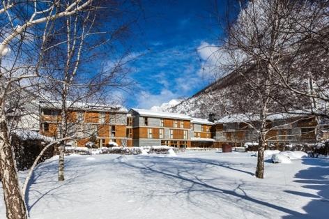 9-HPH123-Hotel-Tierra-de-Biescas-exterieur-hiver-640x480.jpg