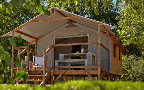 2-CAMPING-ARRAYADE-GER-cabane-lodge.jpg