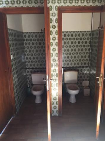 8-sanitaires3-grange-bigourdane-esquiezesere-HautesPyrenees.jpg